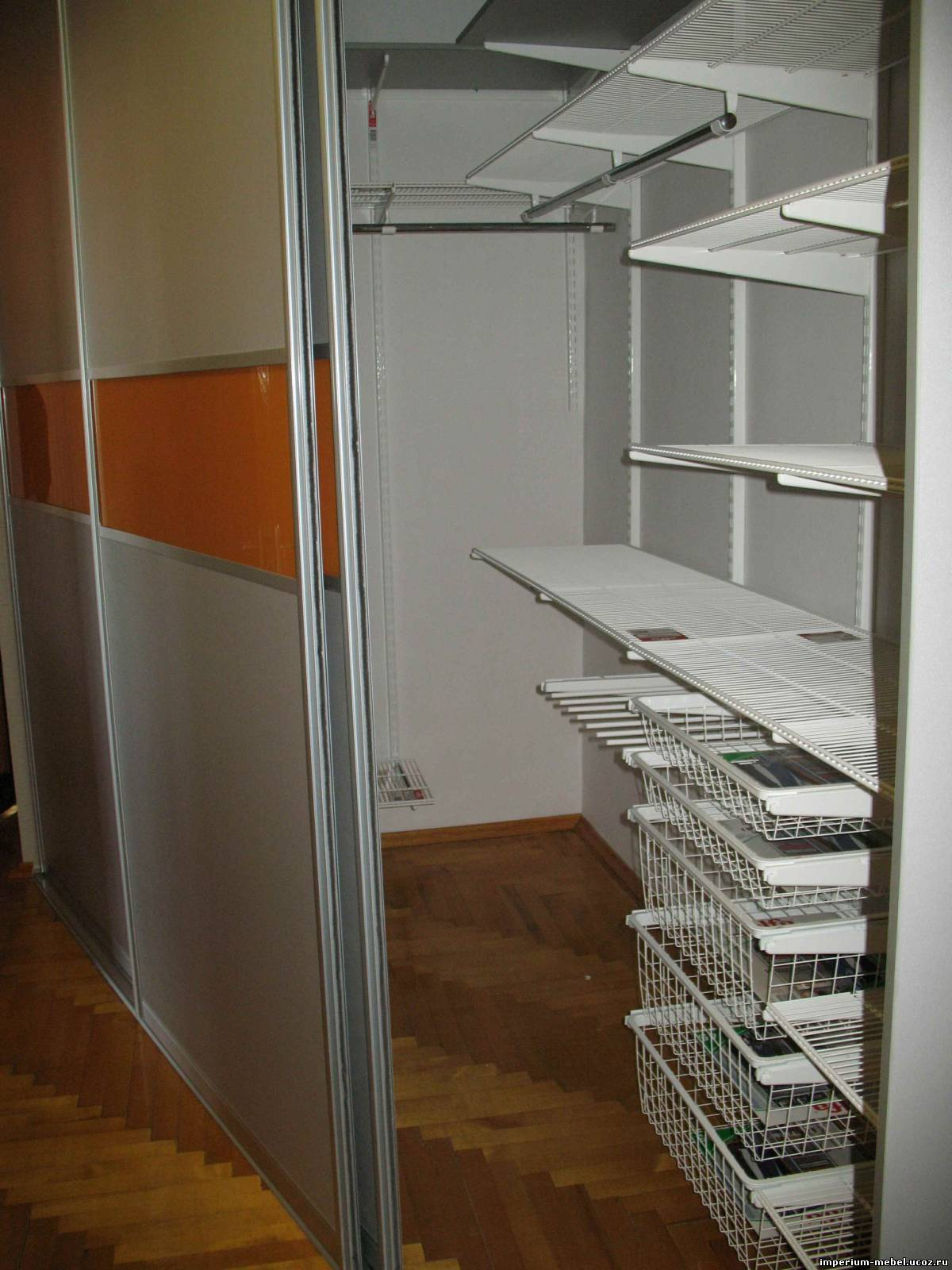 Гардеробная комната - шведская гардеробная система elfa очен.